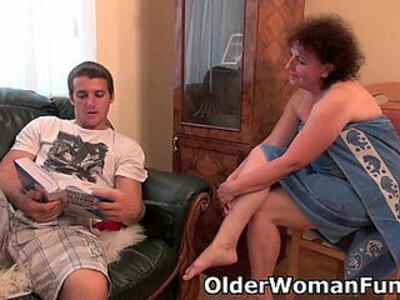 chubby  couch  drilling  grandma   porn video